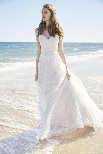 Beautiful Bride Boutique Wedding Dress 8