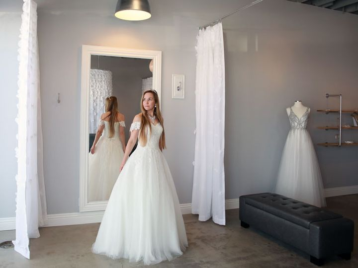 Tmx 191117ew 0137 51 1900557 157860082144187 Torrance, CA wedding dress