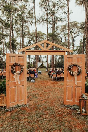 Pines of Windermere - ceremony entrance