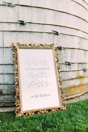 luxe mirror rental photo by harlow bliss photogr