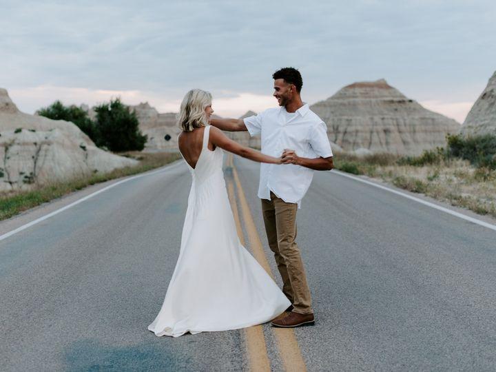 Tmx Samidj 51 1634557 1569465010 Sioux Falls, SD wedding photography
