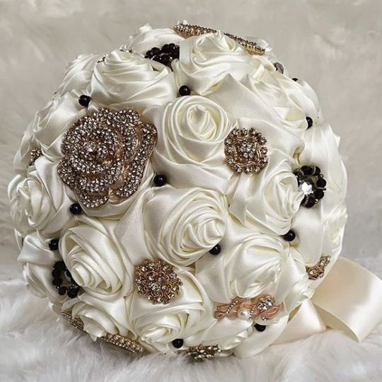 A signature brooch bouquet