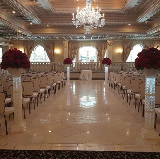 Classy and Chic Ceremony set