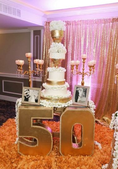 Wedding cake with 50 sign