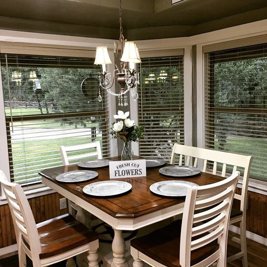Bridal suite dining area