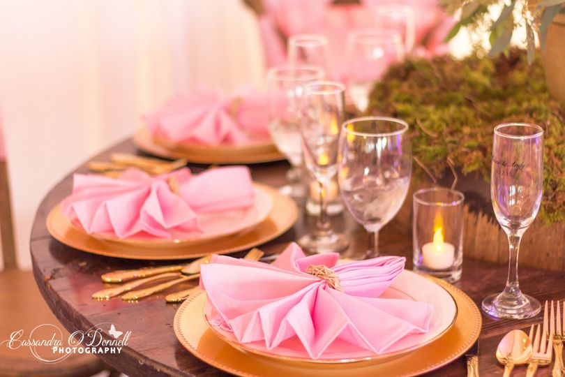 Delicate place settings
