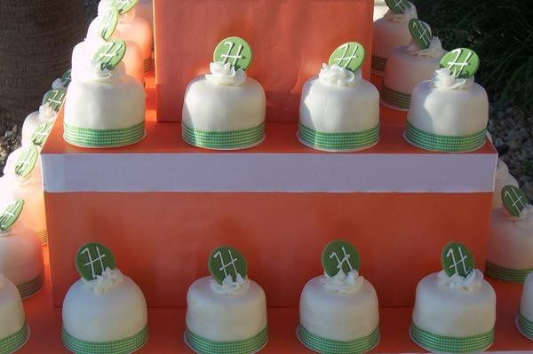 individual fondat cakes in a tower