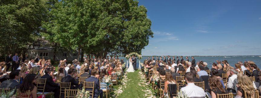 Outdoor ceremony - Oakwood Resort