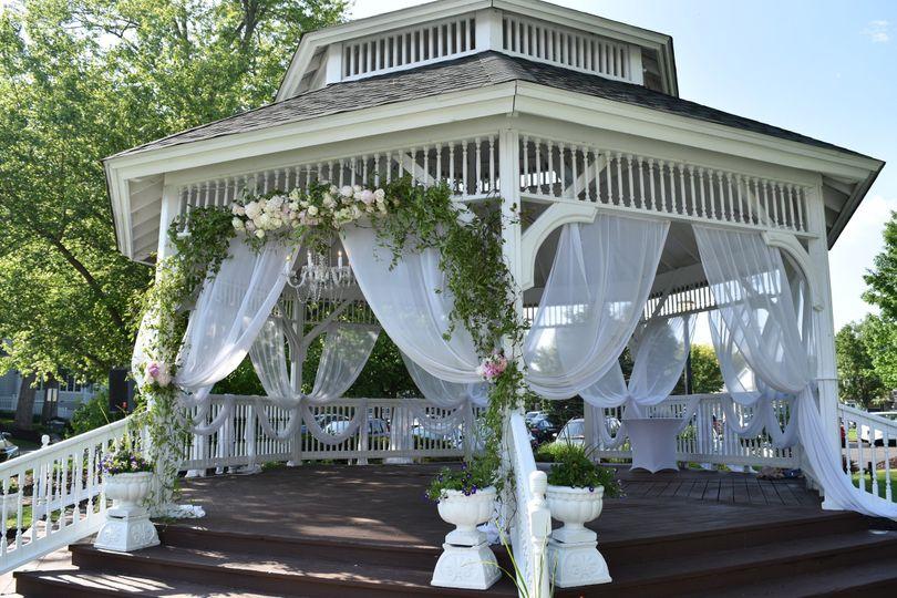 Side view of gazebo - Oakwood Resort
