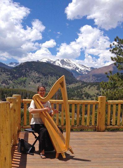 Anela Lauren, Harpist