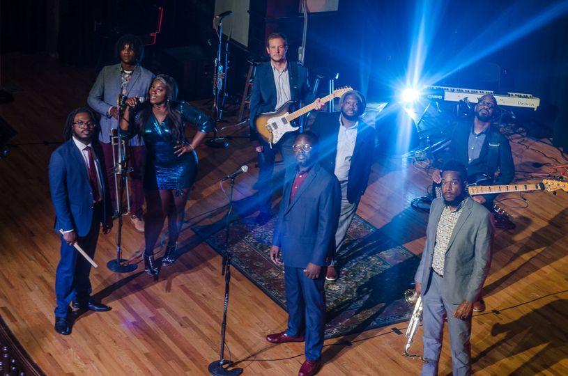 Eight-piece wedding band