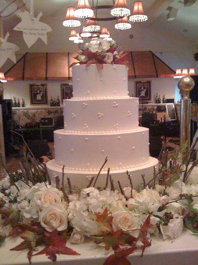 Plain wedding cake