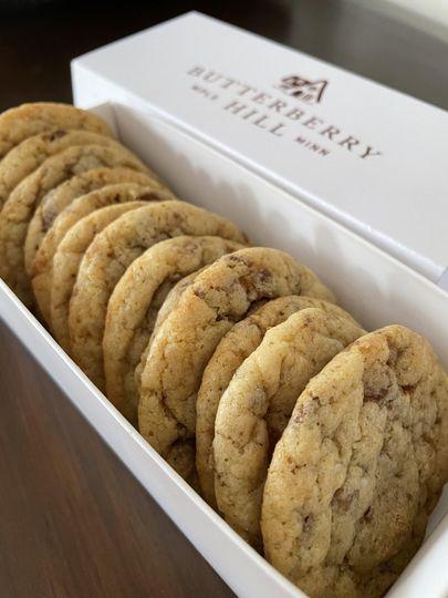 One dozen delicious cookies!