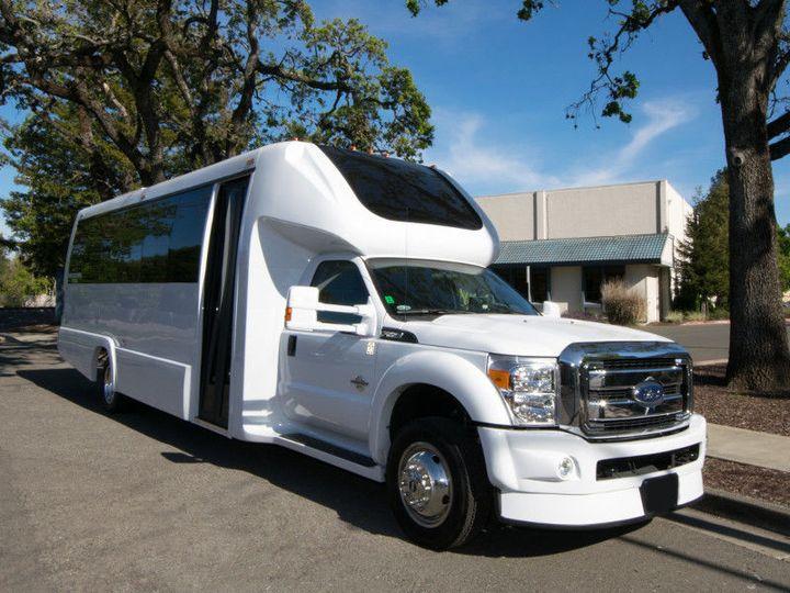 976d272902756a86 1 exterior party bus 04
