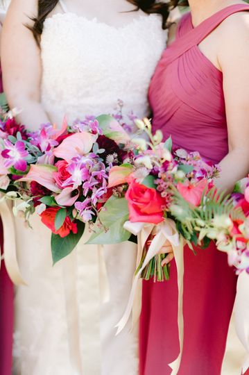 Bright tropical bouquets