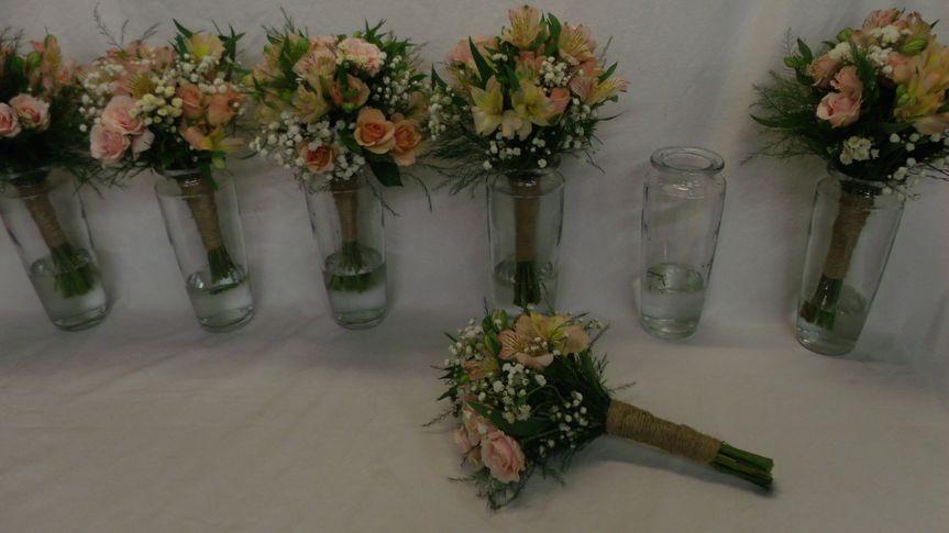 simple bocas in vases