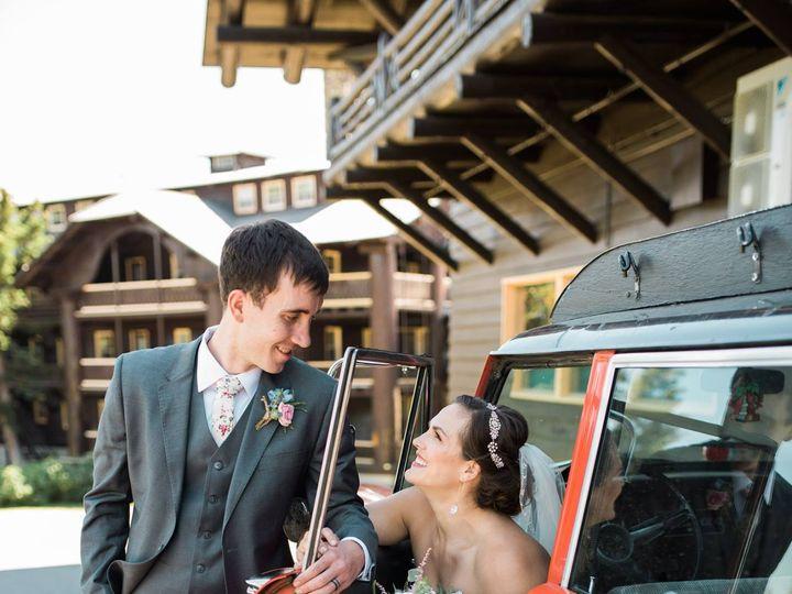 Tmx 37039714 10155644768651659 7021898459510734848 O 51 118757 Bigfork, MT wedding florist