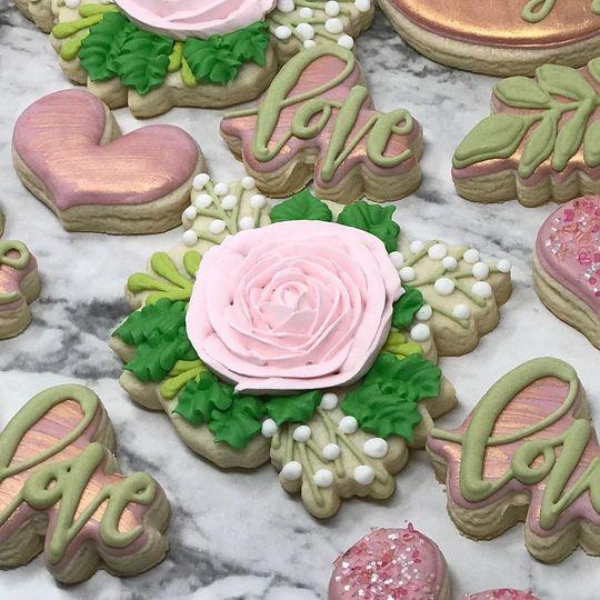 Engagement cookiesin rose
