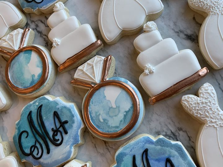 Engagement cookies in blue