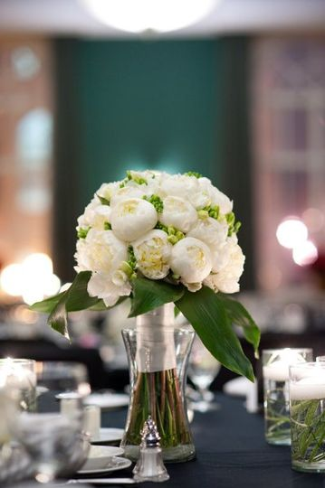 Table centerpiece | Photography by Bellagala