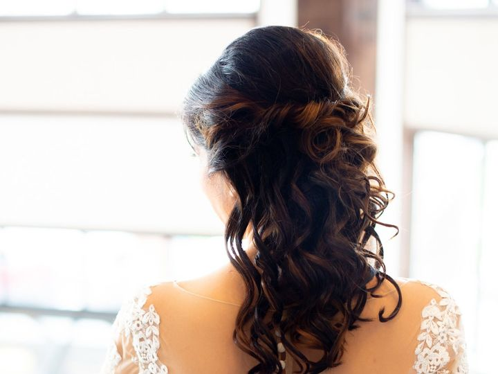 Tmx 1528307215 Fdbac2eb3b734f60 1528307211 9e433f2de082300d 1528307202674 5 Katie Hair Dyer, Illinois wedding beauty
