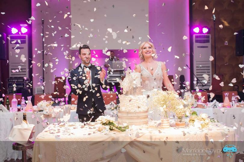 marriageday streamer confetti shots web