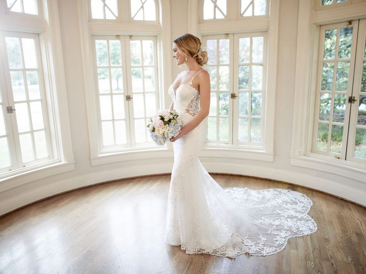 Tmx 6958 A1 Stella York 1920x1280 51 742957 157410672116152 West Roxbury, MA wedding dress