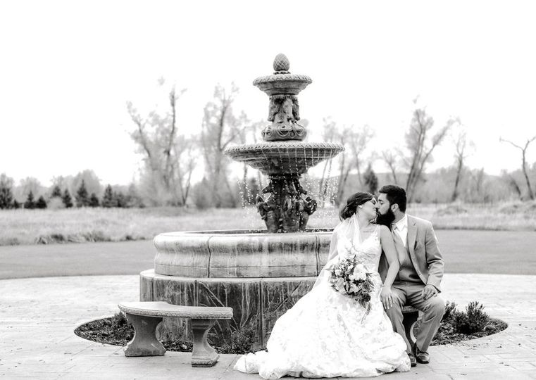 Romance at the fountain