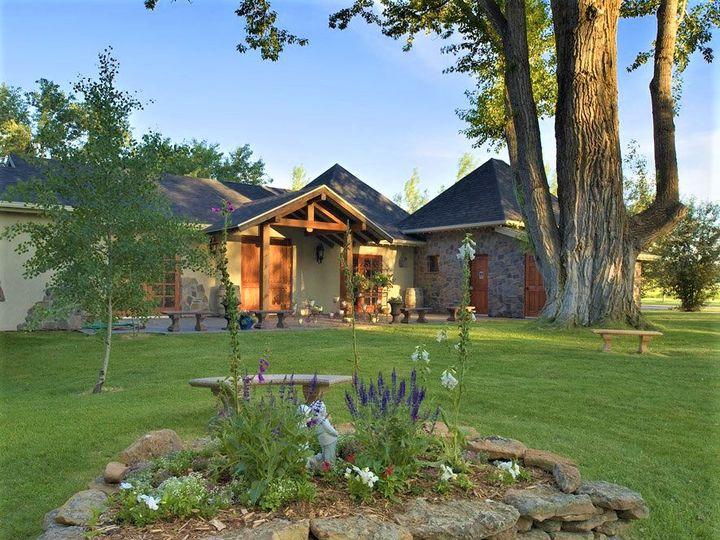 Tmx Chateau W Flower Garden 51 416957 159304023121536 Bozeman, MT wedding venue
