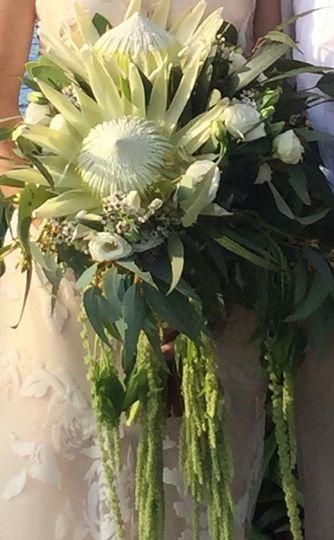 Bouquet in ivory