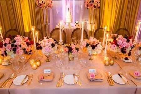 Pink flowers as table decorations