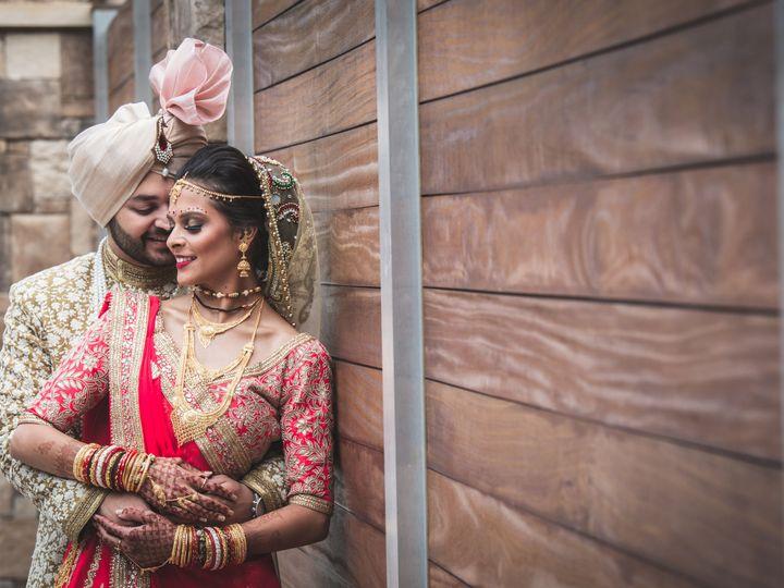 Tmx 1536262586 5ec3841a468d103f 1536262582 042592ee30aef507 1536262582181 31 17 Pooja Patel Ce Raleigh wedding venue