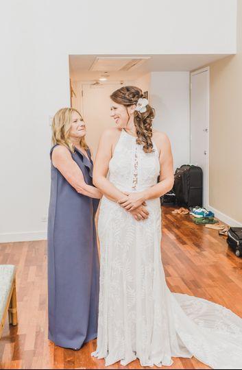 Oahu Bride and Mom
