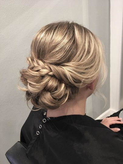 Back details of hairdo