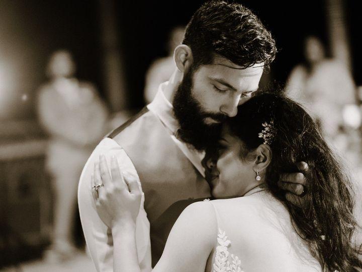 Tmx Untitled Shoot 434 51 1902067 158024639477586 Hinsdale, IL wedding photography