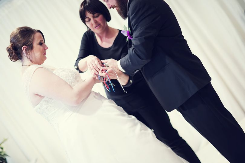 Performing Hand Fasting
