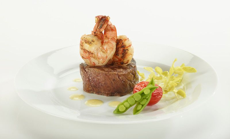 plated shrimp beef