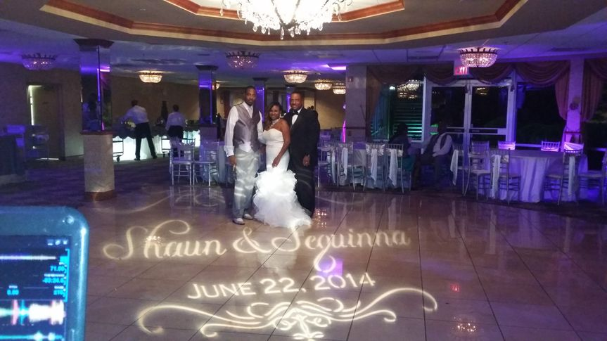 monogram light audio w dj with bride and groom