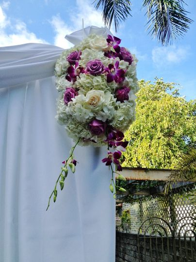 state of the art flowers events flowers miami beach fl weddingwire. Black Bedroom Furniture Sets. Home Design Ideas