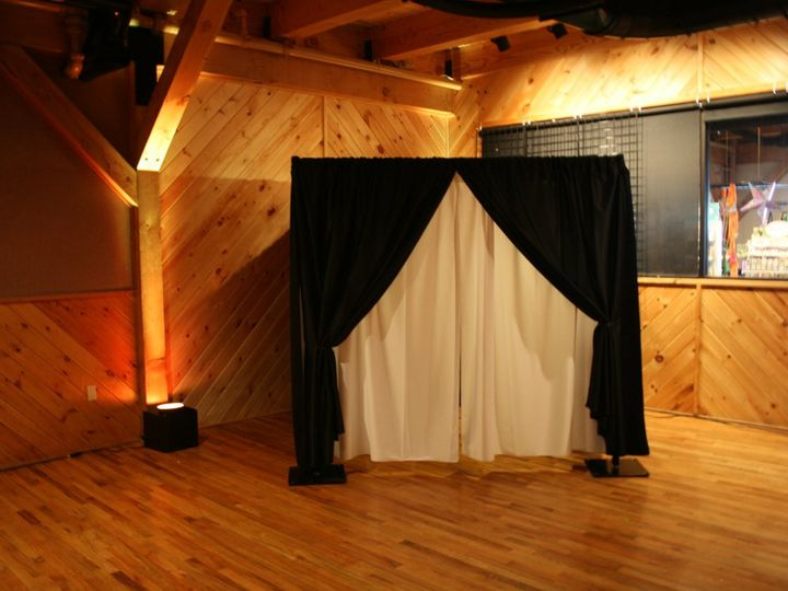 Tmx 1353553017556 Enclosedbooth12 Wind Gap, PA wedding rental