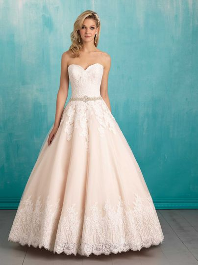 Heart neckline wedding dress
