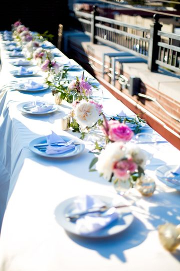 Outdoor dining | Heather Buckley Photography
