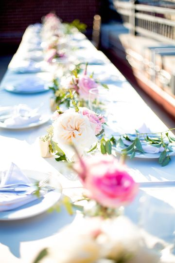 Floral centerpieces | Heather Buckley Photography