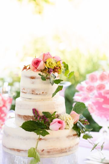 The cake - Emily Hancock Photography
