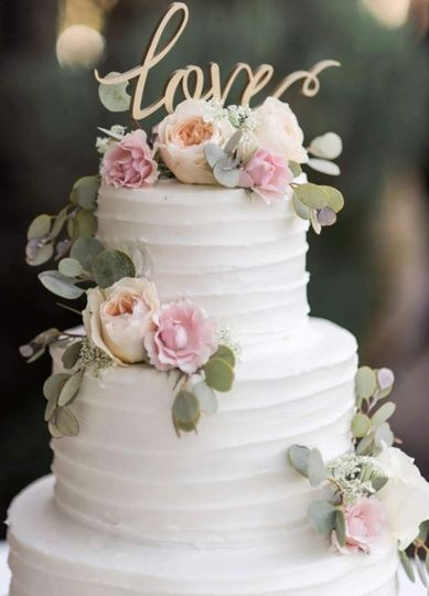 Three-tier cake with textured icing