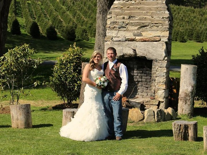 Tmx 1401561297351 10153873101523617216368305568866552209965362n Asheville, North Carolina wedding florist