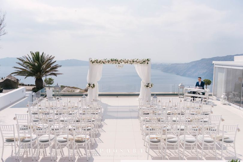 Ceremony at le ciel