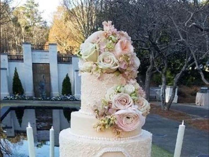 Tmx 9 51 1074267 1573067775 Minneapolis, MN wedding cake
