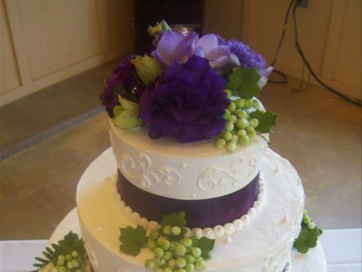 Tmx 1269789030221 Greenandpurplegrapes Paso Robles wedding cake