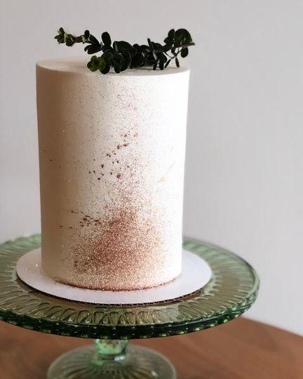 Wedding cake with cinnamon stain